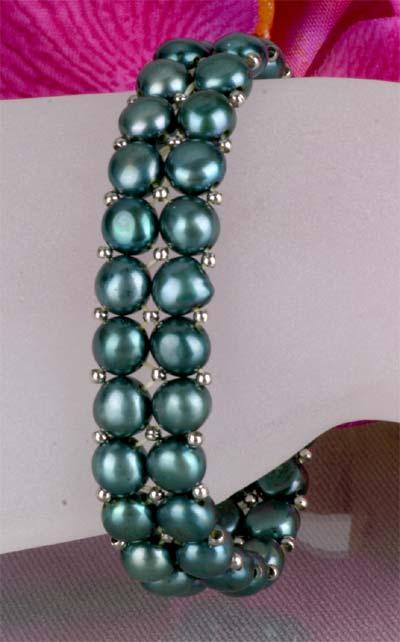 2-reihiges dehnbares Zuchtperlenarmband -grün-