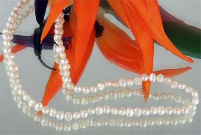 Perlenstrang weiss 4-6mm nicht gefärbt a. 38cm lang