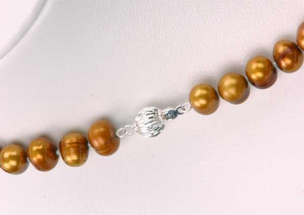 Süßwasser Zucht-Perlenkette -lupfer/braun- Länge 45cm