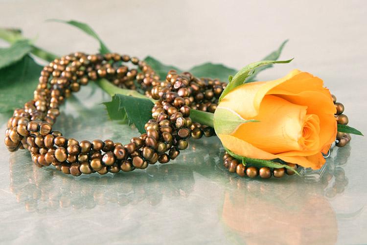 Süßwasser Zucht-Perlenklette fünfreihig gedreht -bronze, kupfer-