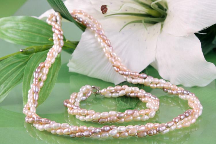 Süßwasser Zucht-Perlen-Set dreireihig gedreht