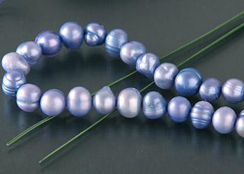 Perlenstrang S110 ca. 40cm Durchmesser ca. 6mm blauviolett