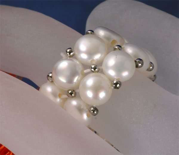 2-Reihiger Perlenring weiss aus echten Süsswasser-Zucht-Perlen