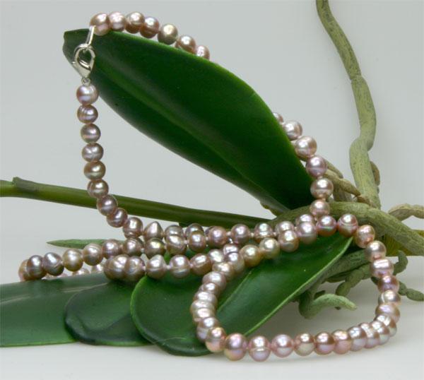 Echtes Zucht-Perlenset hell-violett 6mm Armband + Kette